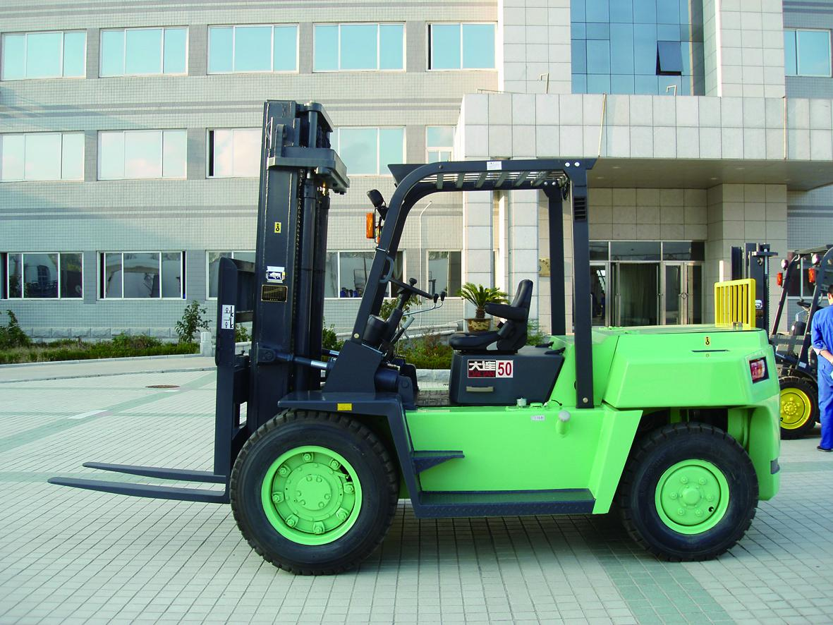 CPCD50型大轮胎叉车